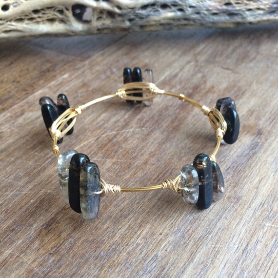 Gold wire wrapped bracelet with simulated quartz glass - B304Q