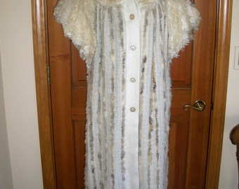 1930's Style Glamour Robe/House Coat/Lounge Wear/Duster Coat/Decadent White Fur....Old Hollywood Glamour....Movie Star....