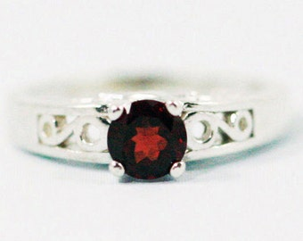 Garnet Filigree Ring Sterling Silver, January Birthstone Ring, Garnet Solitaire Ring, Sterling Silver Filigree Ring, Garnet Filigree Ring