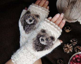 Mitts with siberian bear