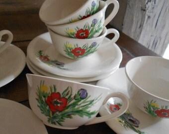 Set of Six Vintage 'Gien' France 'Anémones' Tea Cups and Saucers.