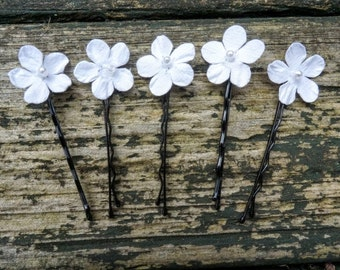 White floral hair slides, Bridesmaid floral hair clips, Bridal floral hair pins, flower hair accessories, wedding hair accessories,hair pins