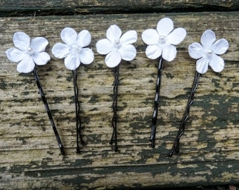 White floral hair slides, Bridesmaid floral hair clips, Bridal floral hair pins, flower hair accessories, wedding hair accessories,hair pins