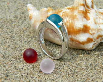 Interchangeable stone ring with 3 - 8mm sea glass stones