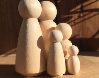 Peg doll family set, Waldorf, Montessori, Reggio Emilia inspired unfinished wood dolls, eco friendly, open ended play, sensory toy