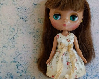 Blythe middie dress, tea stained, with ribbon bow