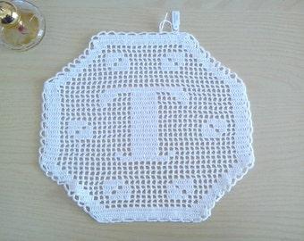 "Monogram hexagonal crochet Filet letter ""T"", decorative, doily, application, decorative pillows, crochet doily,crochet white doily"