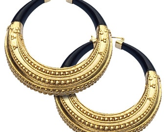 Pair of gold-plated bronze earrings and Horn size: 7.0 x 7.8 x 1.55