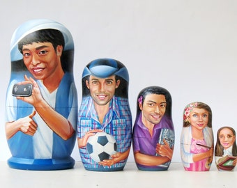 International company of friends matryoshka portraits dolls, custom nesting russian dolls