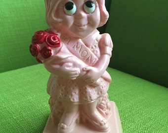 Vintage 70s Wallace Berrie and Co Inc Pink Worlds Best Mom Big Eyed Girl Figurine 1973