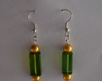 Green and gold earring