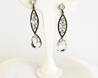 Sparkling Icicle Drop Earrings