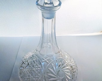 Cut Crystal decanter with Stoppper