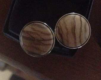 Cufflinks with olivewood inserts