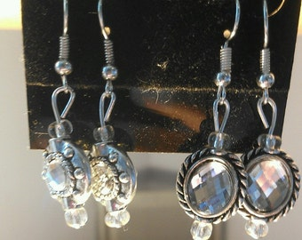 So Elagant 2 pairs of Earrings