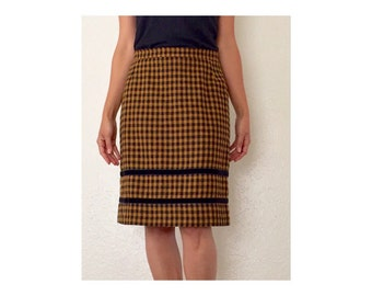 90s Vintage black and yellow long checkered pencil skirt. Clueless retro fashion.