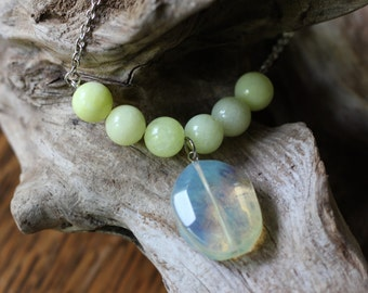 Pale Yellow Quartzite and Polished Stone Necklace