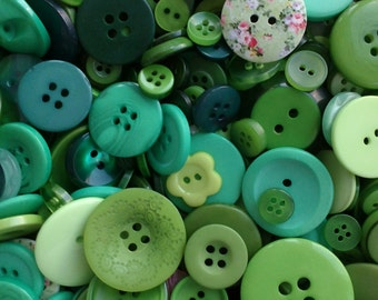 Mixed Green buttons, assorted sizes FREE postage