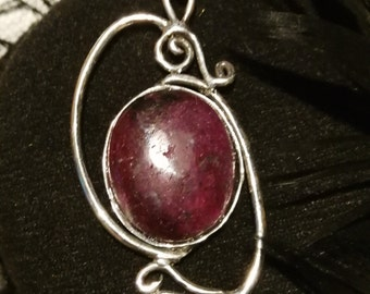 Jewellery in silver and natural stones
