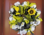 Summer Bumble Bee Deco Mesh Wreath