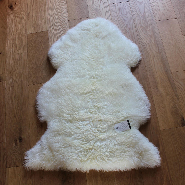 Sheepskin Rug Look: Curly Sheepskin Rug