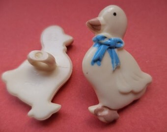 25 mm x 17 mm white 4 buttons for kids (2302) button goose geese