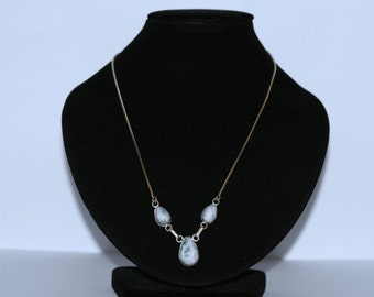 Beautiful 925 Sterling silver Necklace with Larimar Stones Pendant