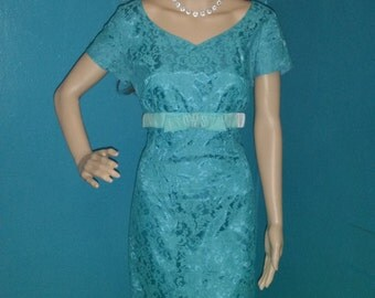 1950s Ellen Kay blue lace vintage dress