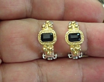 VINTAGE very nice  clip earrings /cc3