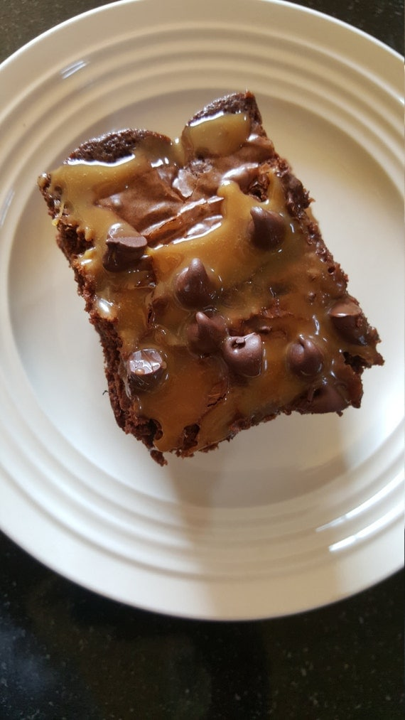 Fudgy Caramel Chocolate Chip Brownies by thesweettoothfactori