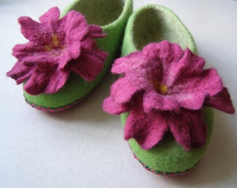 felted slippers  home felt shoes women  Woolen clogs natural wool