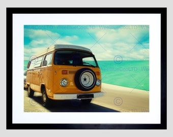 Photo Dt Yellow Campervan By The Sea Art Poster Print FEBMP11738