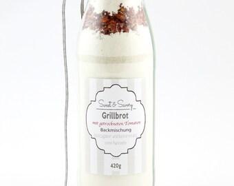Backmischung Grillbrot mit getrockneten Tomaten in der Flasche, Brot Backmischung in der Flasche, ideal als Geschenk zum Geburtstag, Ostern