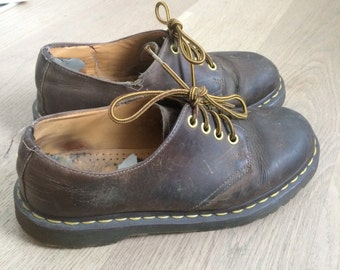 Vintage 90s Brown Leather Low Dr Martens w Yellow and Brown Laces Size US 7 UK 6 39 EU
