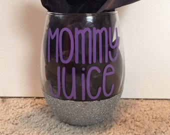 Mommy Juice Glittered Stemless Wine Glass - mommy juice wine glass - mom wine glass - gifts for mom - Mommy Juice glass - mommy juice