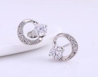 Circlre crystal earrings, cz circle earring, solitaire earrings,  stud earrings, cz earrings, circle earrings, silver earrings (176)
