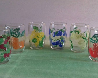 6 beautiful small glass with lovely fruit motif