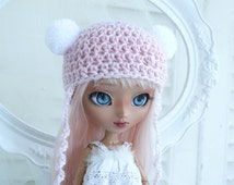 A cute cap for Pullip girls, with gradient, Ombre, with pompoms and beads, Kawaii, helmet,yarn,custom, ooak
