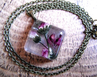 Pressed flowers, Resin Necklace, Resin Jewelry, Pressed Flowers in resin, Purple Necklace, Bridal Jewelry, Gift for Her, Jewelry for Women