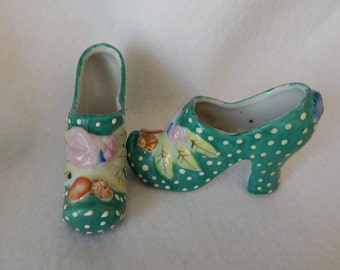 A pair of 50s vintage porcelain shoes Made in Japan