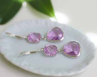 lilac glass earrings, lilac earrings, lilac and silver earrings, light purple earrings, lilac wedding, lilac dangle earrings