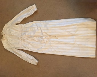 Genuine Vintage Wedding Dress Size 14 (comes up fairly small)