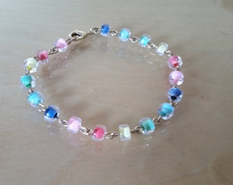Multi-colored glass bead bracelet