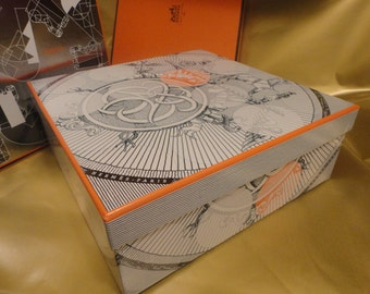 AUTHENTIC HERMES Large Box