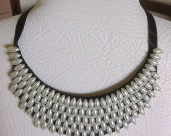 Collar necklace 17