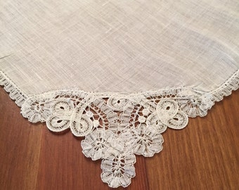 Vintage lace corner handkerchief