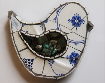 Vintage Recycled China Bird: 008