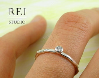 Faceted Lab Diamond Silver Ring, Cubic Zirconia  2 mm Large Texture Ring Simulate White Diamond CZ Stacking Hammered Ring 925 Silver Ring