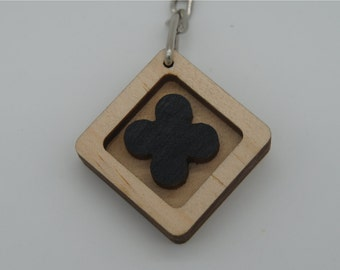 lucky clover black key chain(square)