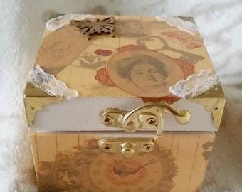 Small Vintage Trinket Box